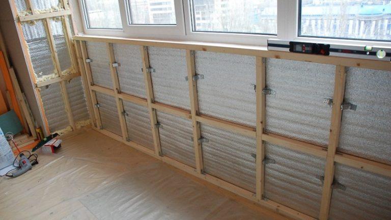 Как обшить балкон вагонкой или панелями изнутри.