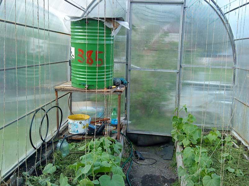 Трубопровод для полива помидор в теплице