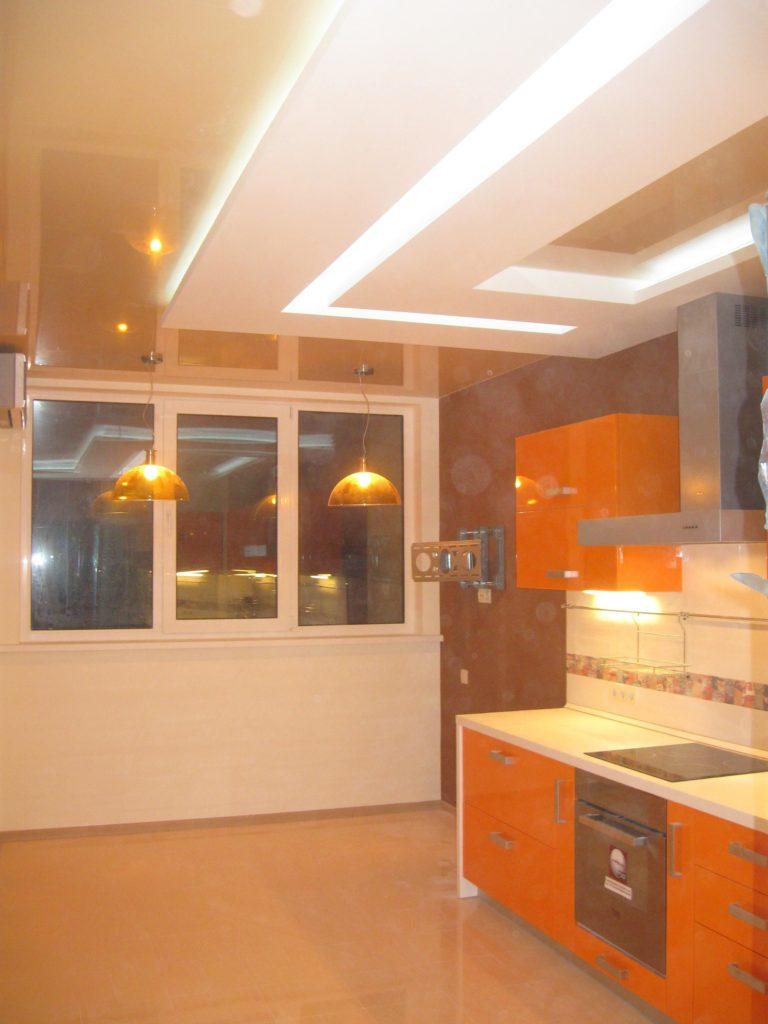 Натяжна стеля на кухні