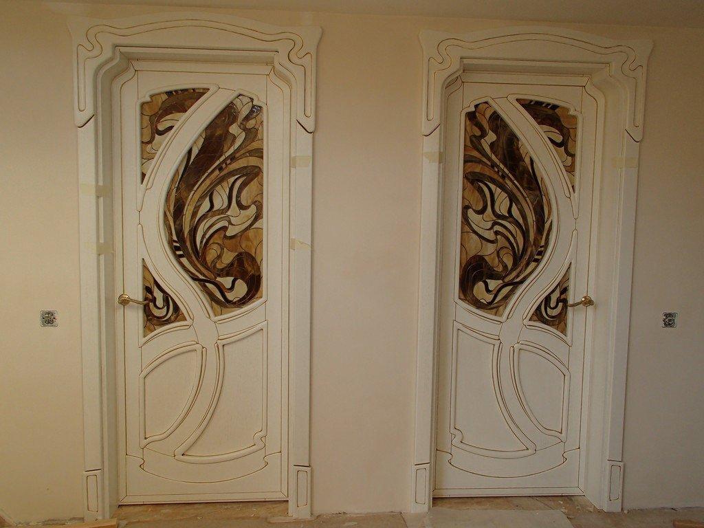 Двері в стилі модерн