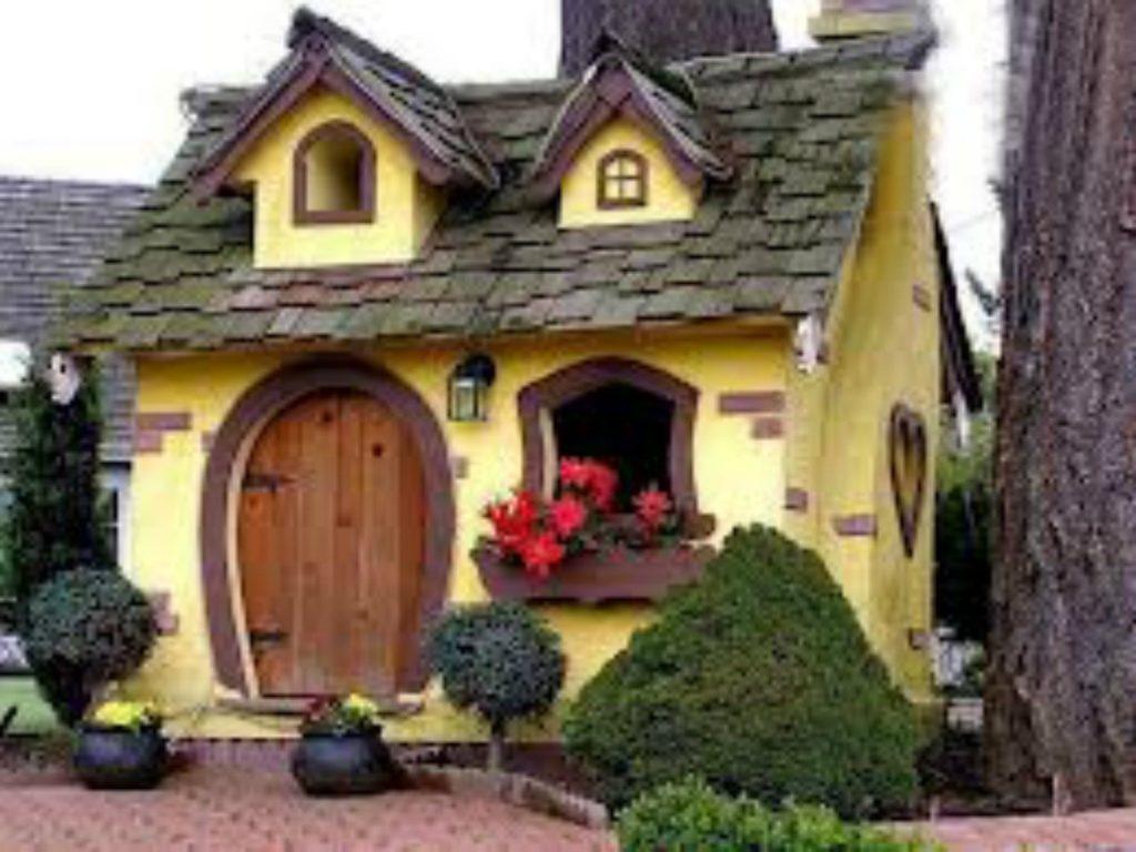Декоративна штукатурка на фасаді будинку