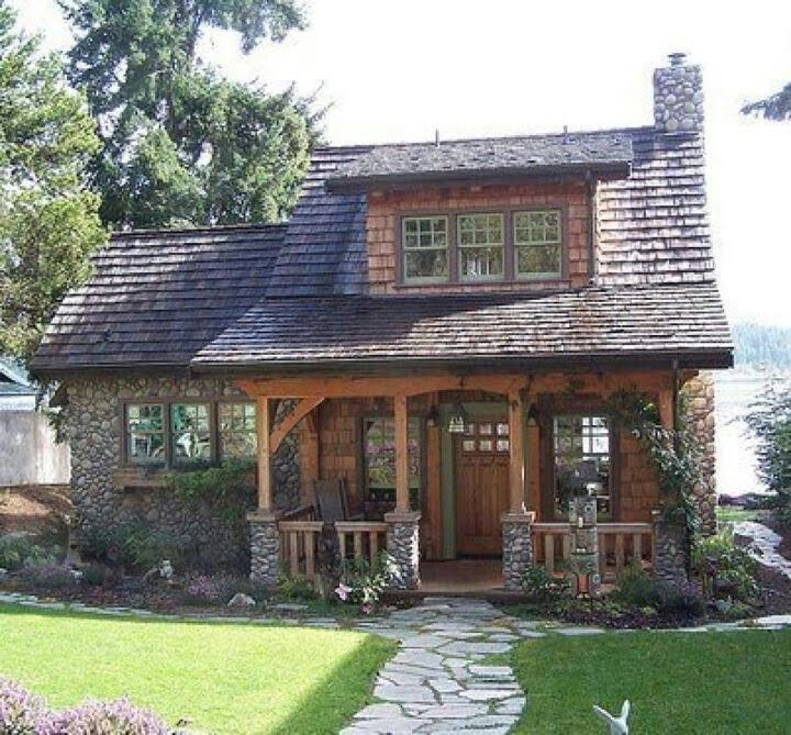 Кам'яний фасад будинку