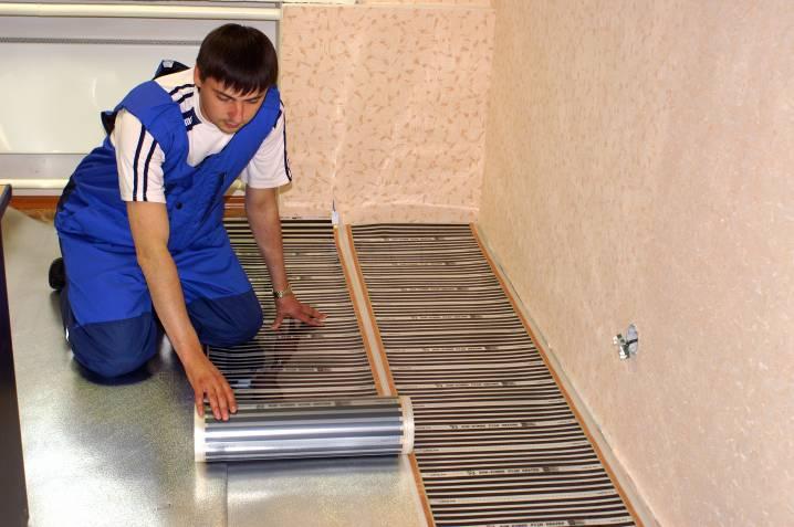 Монтаж матів інфрачервоної теплої підлоги