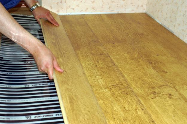 Укладання ламінату на інфрачервону теплу підлогу