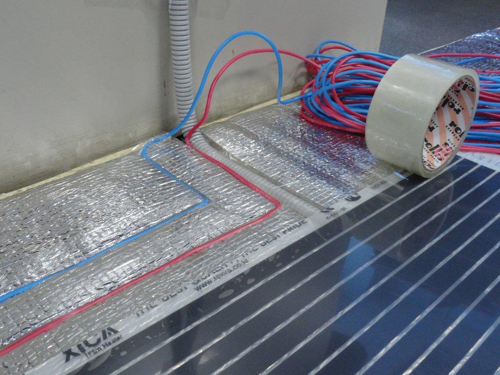 Укладання проводів інфрачервоної теплої підлоги