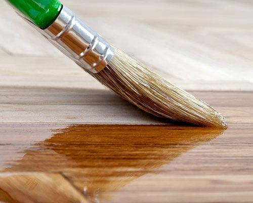 Просочування деревини льняною олією