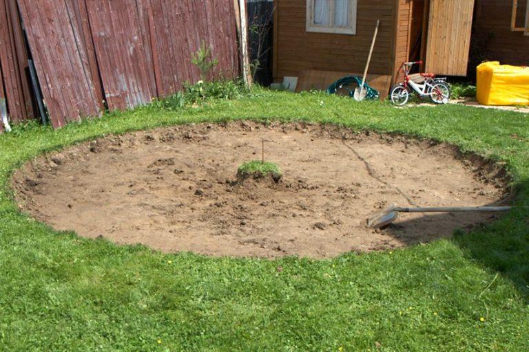 Підготовка основи для установки каркасного басейну