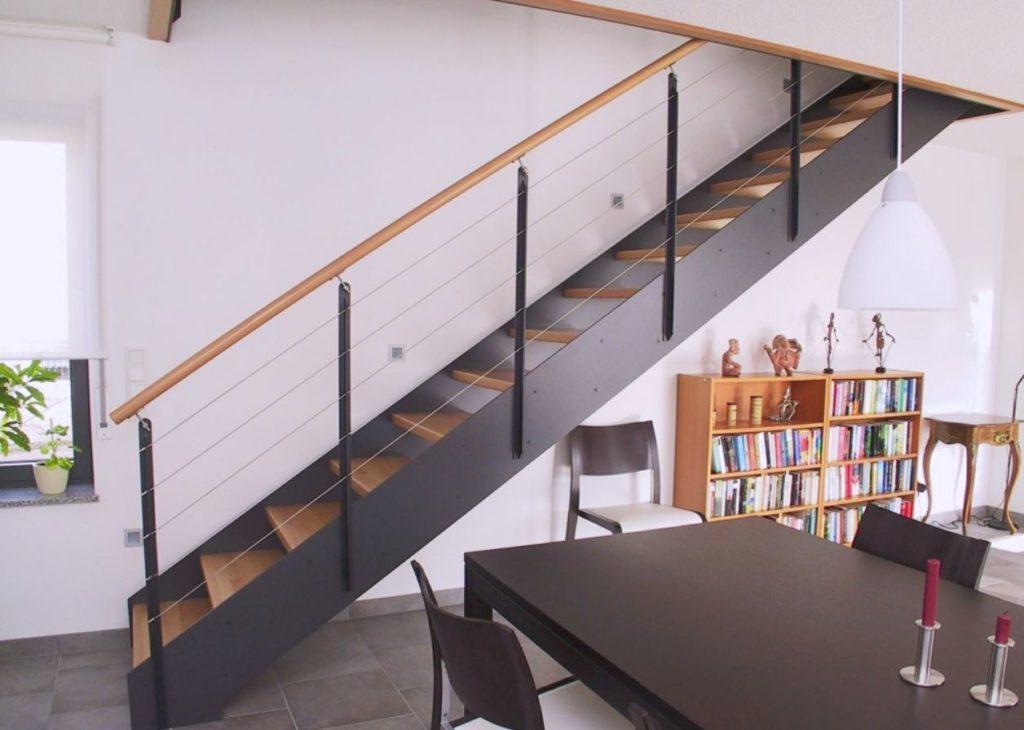 Дерев'яні сходи в будинок - особливості, різновиди та переваги