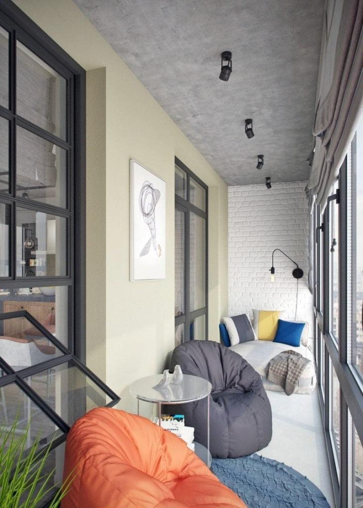 Оштукатуренный потолок на балконе и лоджии