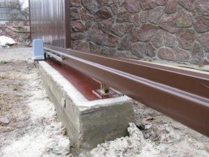 Фундамент под откатные ворота заливка