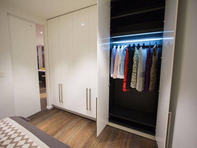 Подсветка шкафа купе светодиодной лентой