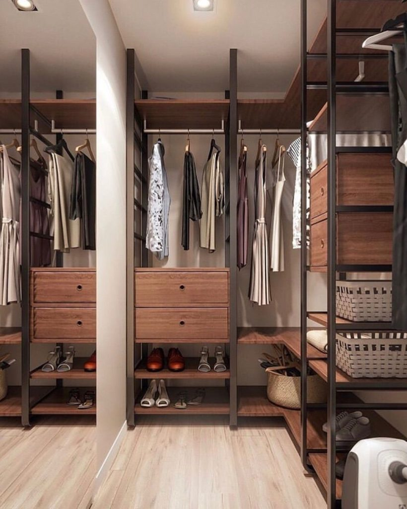 Лофт гардеробна