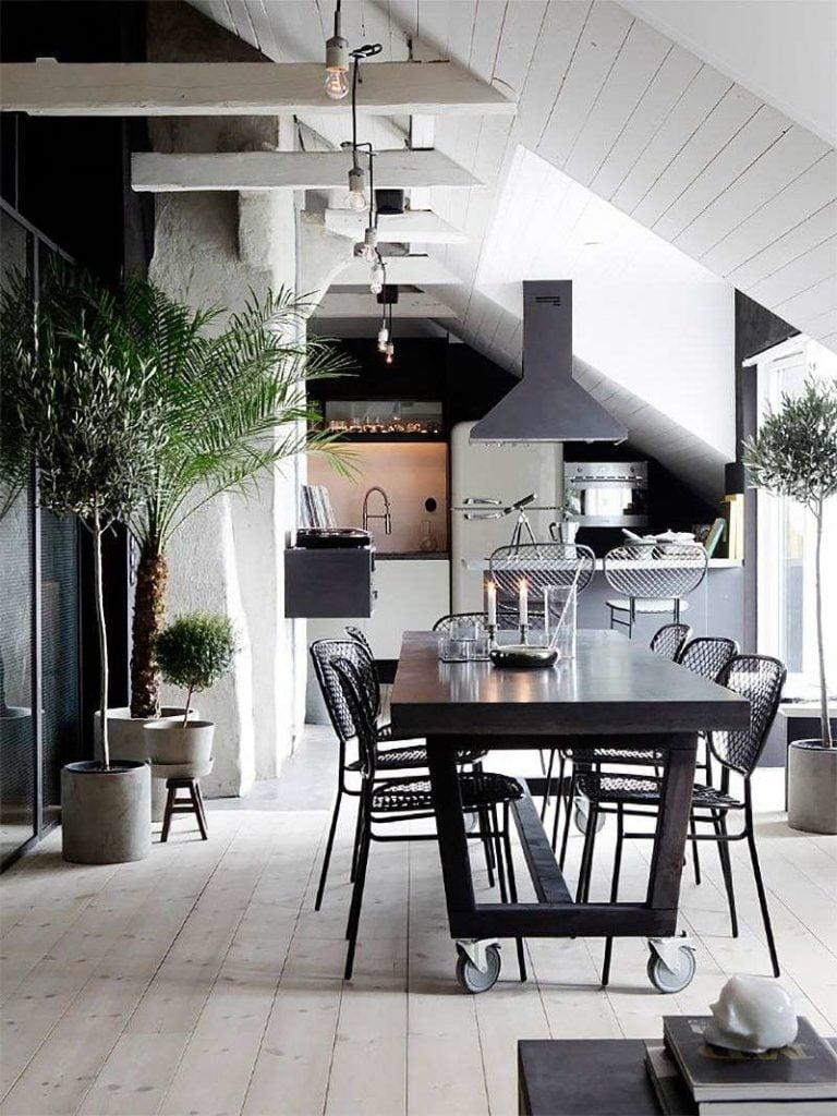 Интерьер кухни гостиной в частном доме в стиле Лофт