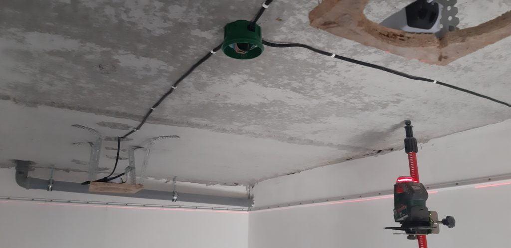 Разметка под натяжной потолок