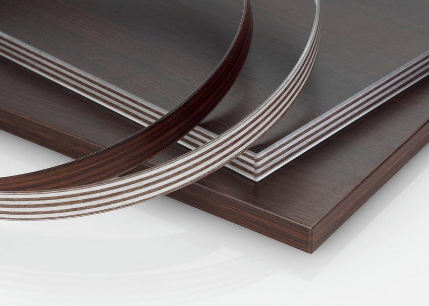 Для облагороджування виробу спеціальна кромка наклеюється на видимі торці панелей ЛДСП